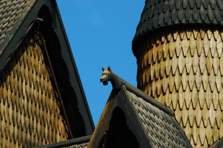 Eglise en bois debout de Heddal, Norvège. (20e de la série des 50 belles églises dans le monde)