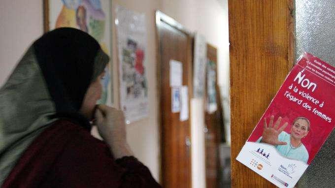 """""""Celui qui ne tabasse pas sa femme n'est pas un homme"""" : une émission de télé marocaine suspendue"""