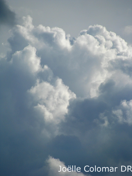 Encore dans les nuages