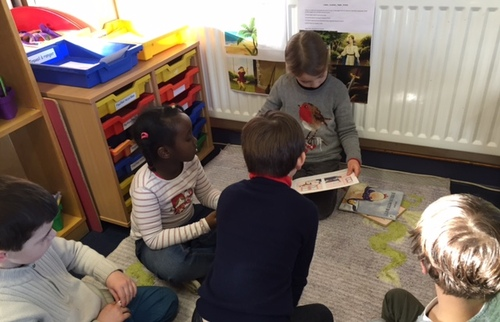 Les grands lisent aux petits