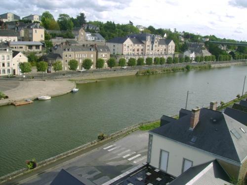 La Mayenne (oui car le département, la ville, et le fleuve porte le même nom)