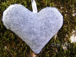 Coeur décoratif en feutrine grise dos