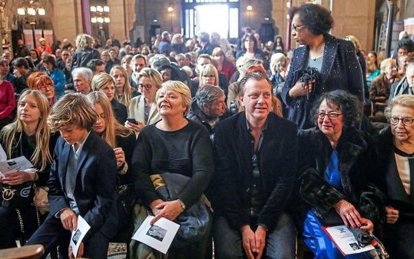 Mort de Claude François : la famille et les fans de Cloclo réunis pour une messe