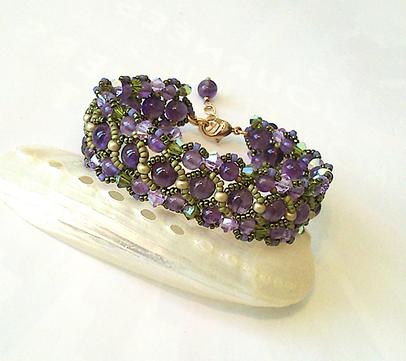 Bracelet tissé Violet / Vert, Pierre d'Améthyste et Cristal de Swarovski / Laiton doré