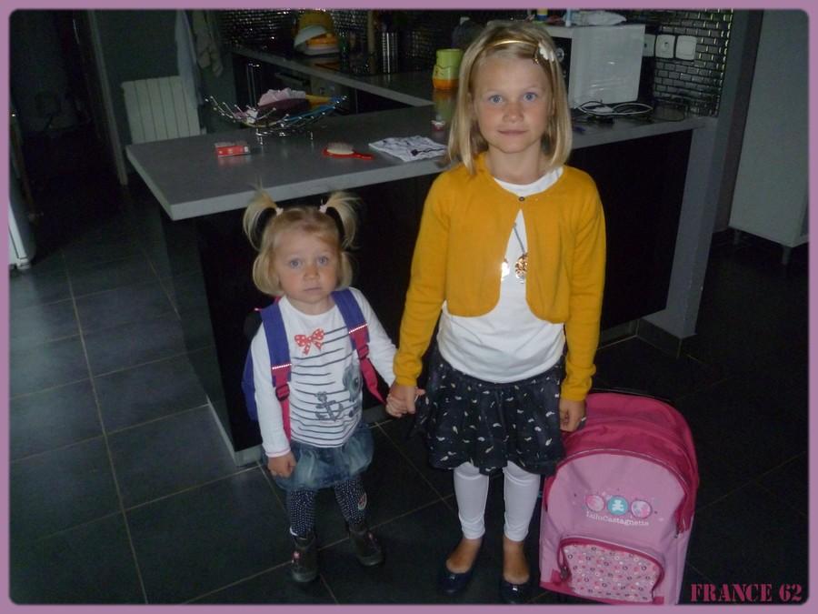 Rentrée des classes ce matin pour mes deux petites filles Aby et Ely