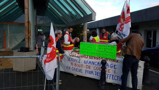 Brest-Les brancardiers du CHRU manquent de bras et font grève (OF.fr-29/10/18-17h18)