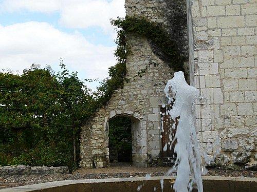 1 - Chateau du Rivau -Entree Jardin des philtres d-copie-1