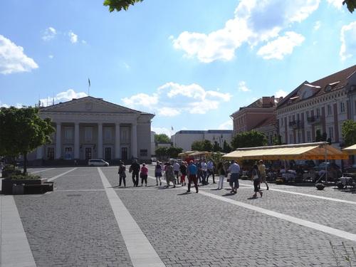 Vilnius:autour de l'église Zaint Casimir et de l'Hôtel de Ville (photos)
