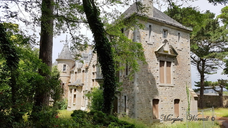 Roscoff (29) le Laber : Le Château 2/2