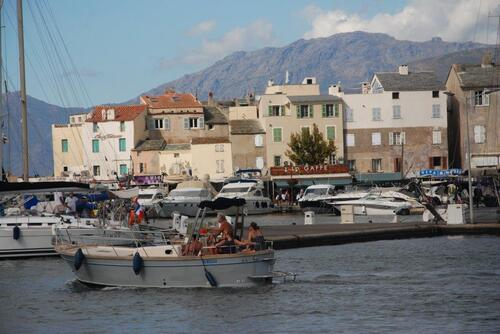 St Florent, le port