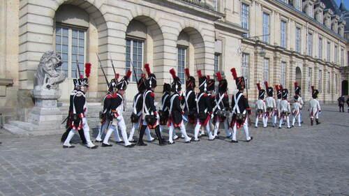 Le château de Fontainebleau et la garde Napoléon