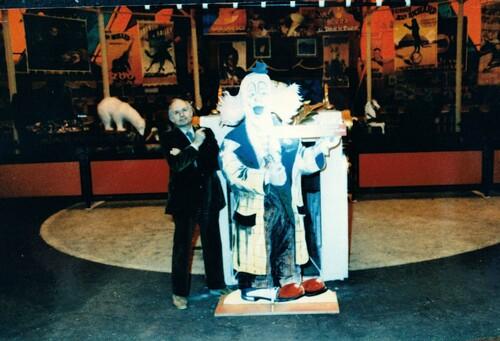 """Jean Richard dans son  expo-musée """"cirque mon ami"""" au zoo d'Ermenonville"""