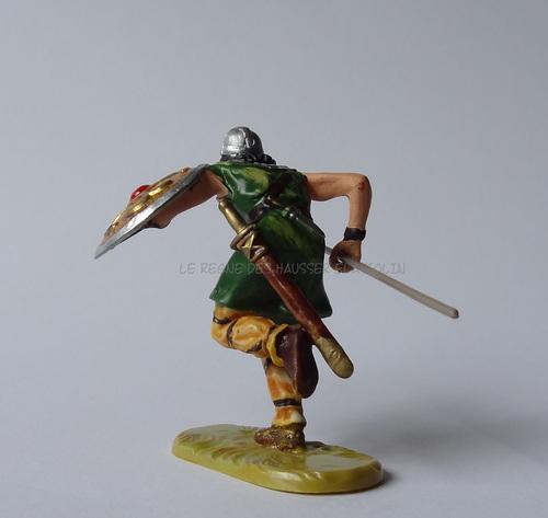 Réf: 8830/40 Normand cournant avec une lance ou une hache