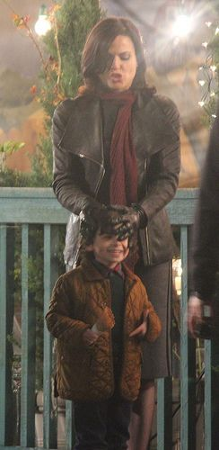 "Lana Parrilla (Regina) with Raphael Alejandro (Roland) - behind the scenes of 3.22 ""There's No Place Like Home"":"