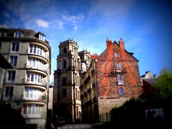 Vue sur la cathédrale Saint-Pierre de Rennes