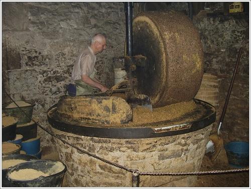 Moulin à huile de Bataille dans le Lot