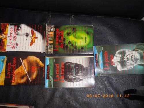 Vente de livres au mètre chez Emmaüs