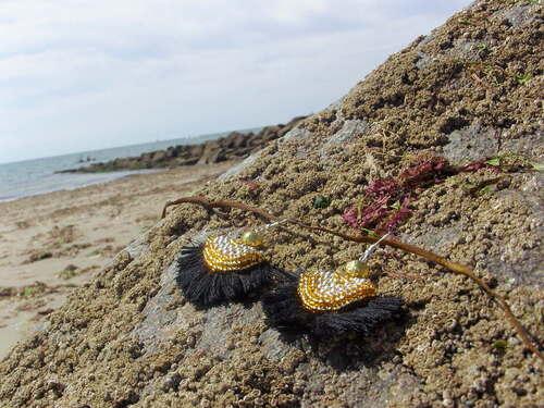 Boucles d'oreilles réalisées en perles de rocaille