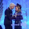 2013 03 16 - Madonna @ GLAAD Media Awards (1)