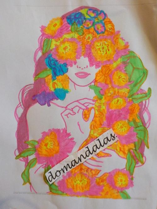 DOMANDALAS  coloriage femme aux fleurs