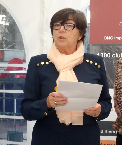 """Le Zonta-Club a offert des """"bourses Performance"""" à deux jeunes filles au parcours d'excellence"""