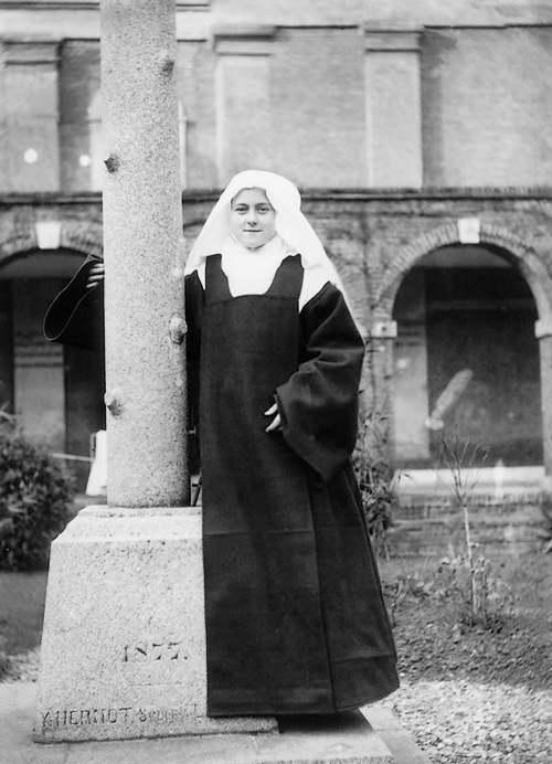 30 septembre  1897   : mort de Sainte Thérèse de Lisieux