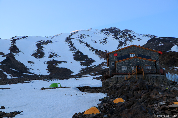 Camp de base du Damavand à 4200m d'altitude