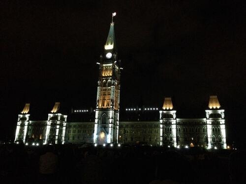 Le Parlement canadien fait son show !!!