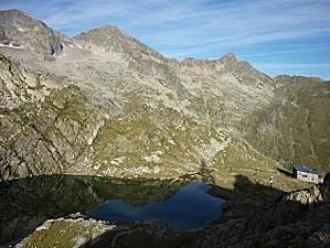 721-Passage-au-dessus-du-lac-dEnfer-2430m-14-09-2010
