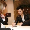 Séance dédicace Taylor Lautner