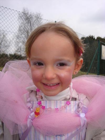 Blog de melimelodesptitsblanpain :Méli Mélo des p'tits Blanpain!, Léa-Kenza en princesse