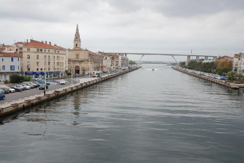 Canal et viaduc routier