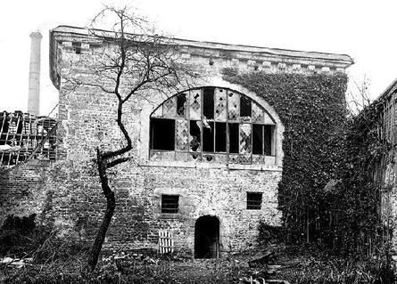 REMPARTS DE LISIEUX (Calvados)