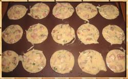 Mini-Cakes au Jambon et aux Pétales de Tomates