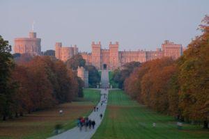 300px-Windsor_Castle_Sunset_-_Nov_2006
