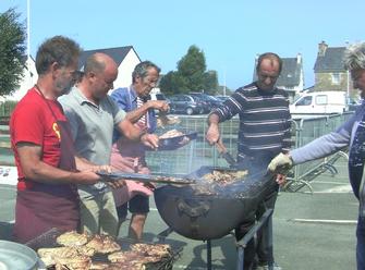 Le barbecue du midi, géré avec nos Amis des Tadornes