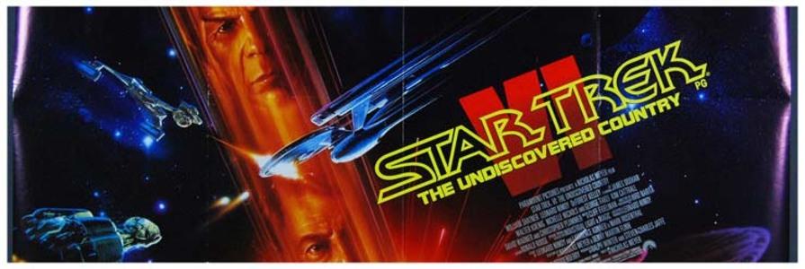 STAR TREK GENERATIONS : Il y a quatre-vingt ans, le capitaine Kirk disparaissait lors d'un combat suite à un appel de détresse : les Borgs avaient alors ravagés la planète El-Laurian et il ne restait plus que quelques survivants, dont le scientifique, Tolian Soran. Près d'un siècle plus tard, le capitaine Jean-luc Picard est aux commandes de l'Enterprise D et s'apprête à sauver de nouveau Tolian Soran. Ce dernier souhaite à tout prix retourner dans le Nexus, qui est en réalité la porte vers une autre dimension. S'il parvient à y revenir, c'est la destruction de deux systèmes solaire et la mort de millions de personnes assurée. Dans cette course contre la montre, le capitaine Picard va recevoir un coup de main inatendu... ----- ... Date de sortie 29 mars 1995 (1h 55min) De David Carson Avec Patrick Stewart, William Shatner, Jonathan Frakes plus Genres Science fiction, Action Nationalité Américain