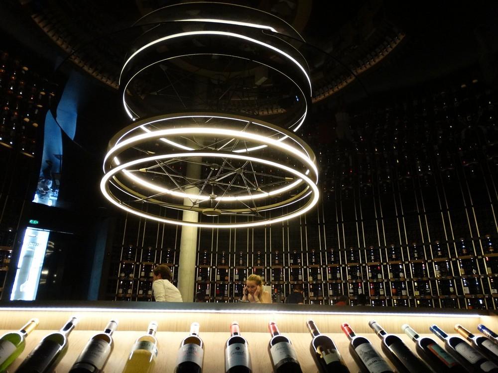 La Cité du Vin à Bordeaux : l'intérieur...