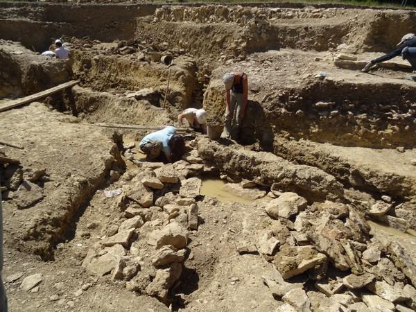 Visite des nouvelles fouilles d'Alesia avec la Société Archéologique et Historique du Pays Châtillonnais (SAHC)