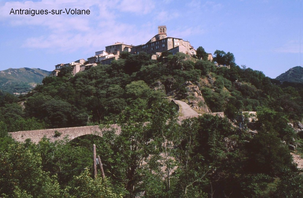 Blog de lisezmoi : Hello! Bienvenue sur mon blog!, Ardèche - Antraigues-sur-Volane