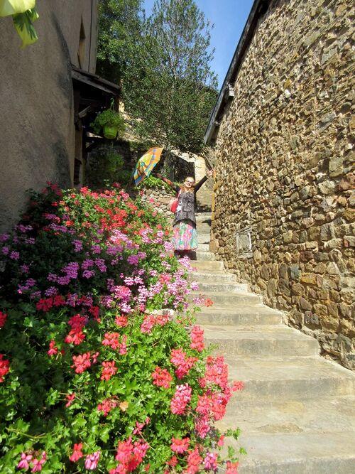 Escaliers de charme et belles ombrelles...