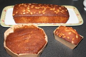 cake-banane-pignons--2-.JPG