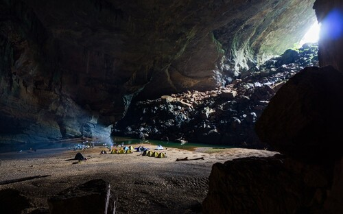 Une grotte incroyable. Hang son Doong