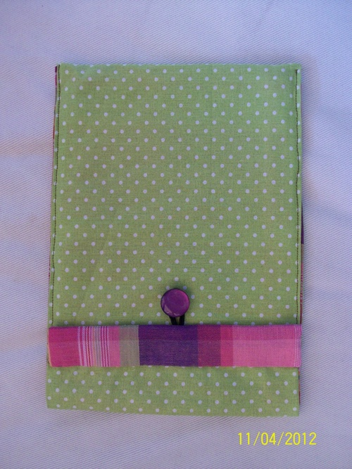 Porte chéquier et pochette pour livre de poche