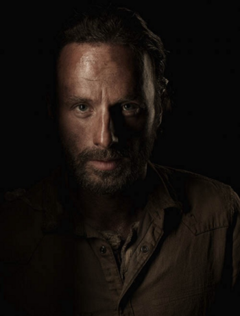 Season-4-Cast-Portrait-Rick-the-walking-dead-35644230-380-500
