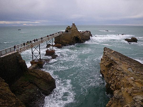 biarritz le rocher de la vierge9