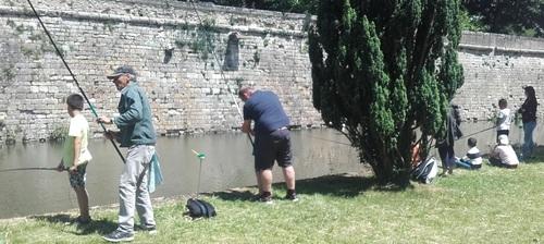 Animation pêche avec une classe de l'école Maurice Genevoix