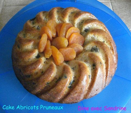 Un Cake Abricots Pruneaux