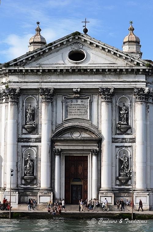 Les campaniles et autres monuments