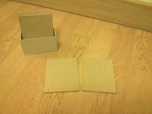 Atelier Montessori vie sensorielle : les tablettes rugueuses